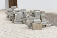How to Lay paving slabs on sand 7