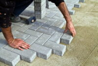 How to Lay paving slabs on sand 8